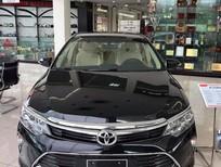 Bán Toyota Camry E đời 2018, màu đen, giá 957tr