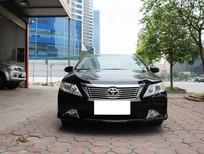 Cần bán gấp Toyota Camry 2.0E đời 2014, màu đen, xe gia đình, 805tr