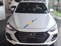 Cần bán xe Hyundai Elantra 2.0l AT sản xuất năm 2018, màu trắng