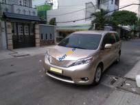Cần bán xe Toyota Sienna 2011 màu vàng nhập khẩu Mỹ