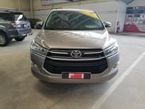 Cần bán Toyota Innova E đời 2015, màu nâu, số sàn