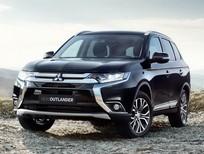Cần bán Mitsubishi Outlander CVT đời 2018, màu đen