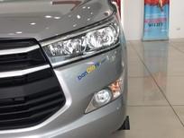 Bán xe Toyota Innova 2.0E sản xuất 2018 mới 100% khuyến mãi cực tốt