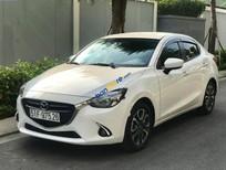 Bán xe Mazda 2 2016, màu trắng còn mới
