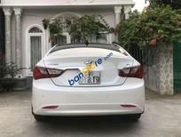 Cần bán Hyundai Sonata đời 2011, màu trắng chính chủ, giá tốt