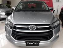 Giảm 25tr khi mua Toyota Innova E năm 2018, màu xanh nhẹ