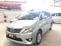 Cần bán Toyota Innova 2.0E 2013 màu bạc giá 580 triệu