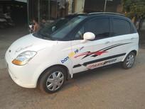 Cần bán Chevrolet Spark 0.8MT năm 2011, màu trắng, giá tốt