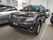 Bán Toyota Fortuner V 2012, số tự động, xe gia đình đi ít 38.000km, cực đẹp, giá thương lượng