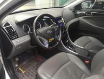Bán Hyundai Sonata 2.0 AT đời 2011, màu bạc, nhập khẩu nguyên chiếc