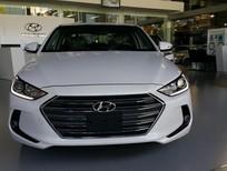 Hyundai Elantra GLS 1.6 AT trắng, nhiều khuyến mãi hấp dẫn.