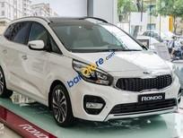 Bán ô tô Kia Rondo 2.0 GMT đời 2018, màu trắng, giá 609tr, trả góp 90 % giá trị xe