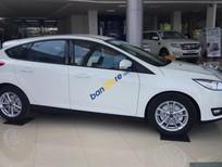 Bán xe mới Ford Focus Trend 2018, màu trắng