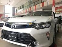 Cần bán rất gấp xe Toyota Camry 2.5Q đời 2018, màu trắng, đẹp lấp lánh