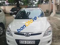 Cần bán gấp Hyundai i30 2009, màu trắng