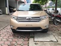Cần bán gấp Toyota Highlander LE 2011, màu vàng, xe nhập Mỹ, siêu đẹp