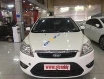 Bán Ford Focus 1.8AT đời 2011, màu trắng, giá tốt