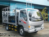 Bán xe tải JAC 2.4 tấn - thùng mui bạt 2018