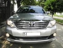 Cần bán xe Toyota Fortuner AT 2013, màu bạc