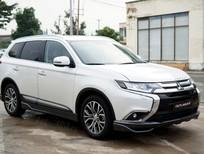 Mitsubishi Outlander màu trắng, giảm 51 triệu, giao xe ngay