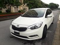 Cần bán xe Kia K3 2.0 sản xuất năm 2015, màu trắng số tự động