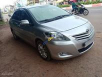 Cần bán lại xe Toyota Vios sản xuất năm 2010, màu bạc