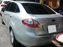Cần bán xe Ford Fiesta 2012 số sàn, màu xám bạc, xe sài kĩ