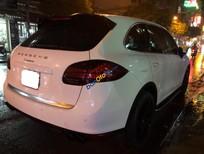 Cần bán lại xe Porsche Cayenne sản xuất năm 2010, màu trắng