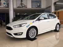 Bán Ford Focus Titanium sản xuất năm 2018, màu trắng, giá tốt