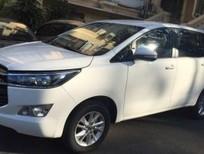 Cần bán xe Toyota Innova 2.0E năm 2018, màu trắng