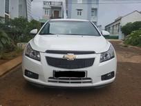 Bán nhanh xe Chevrolet Cruze đời 2014 số sàn, bản LS màu trắng