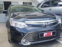Bán Toyota Camry 2.0E 2015, xe gia đình mới đi 33.000km, giá thương lượng, có hỗ trợ trả góp