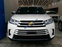 Cần bán xe Toyota Highlander sản xuất năm 2018, màu trắng, nhập khẩu nguyên chiếc