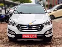 Cần bán gấp Hyundai Santa Fe năm sản xuất 2015, màu trắng, 990tr
