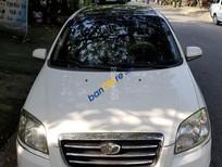 Cần bán xe Daewoo Gentra sản xuất năm 2011, màu trắng xe gia đình