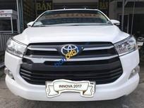 Bán Toyota Innova 2.0E năm 2017, màu trắng