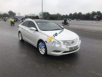 Cần bán Hyundai Sonata sản xuất năm 2011, màu trắng chính chủ