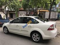 Cần bán Ford Focus 2.0 AT sản xuất năm 2011, màu trắng