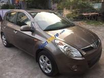 Cần bán lại xe Hyundai i20 AT sản xuất 2011, màu nâu, nhập khẩu nguyên chiếc, 338tr