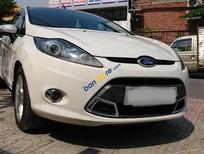 Cần bán Ford Fiesta S sản xuất 2012, màu trắng, 380 triệu