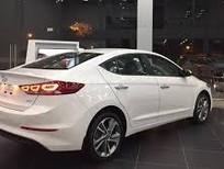 Bán xe Hyundai Elantra sản xuất 2018, màu trắng