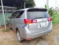Cần bán lại xe Toyota Innova sản xuất 2017, màu bạc, 700tr