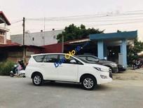 Cần bán xe Toyota Innova năm 2017, màu trắng, giá tốt