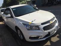 Bán xe Chevrolet Cruze LT 1.6 2015, màu trắng, giá rẻ