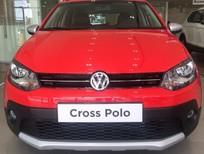 Cần bán Cross Polo màu đỏ, nhập khẩu nguyên chiếc giá tốt