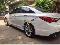 Xe Hyundai Sonata năm 2010, màu trắng, 565 triệu