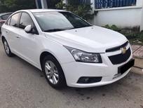 Cần bán xe Chevrolet Cruze 2015 màu trắng ngọc trai