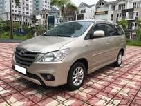 Bán gấp xe Toyota Innova 2014 số sàn, xe phom mới, màu vàng cát