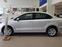 Bán Volkswagen Polo Sedan 2016, nhập khẩu nguyên chiếc, giao xe ngay
