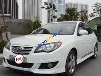 Bán ô tô Hyundai Avante sản xuất 2012, màu trắng số tự động, giá 369tr